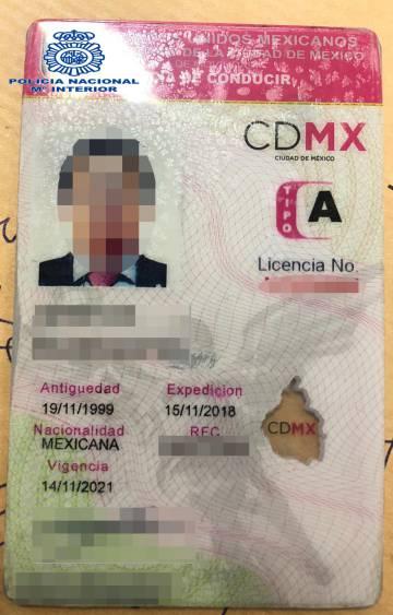 Foto del carné de conducir mexicano de Lozoya, facilitada por la policía española.