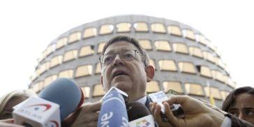 Puig atiende a los medios a las puertas del TC tras presentar el recurso de inconstitucionalidad del Gobierno valenciano el jueves.