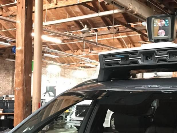 Detalle de los sensores y cámaras que monta el vehículo.