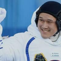 Astronauta crece 5cm en el espacio