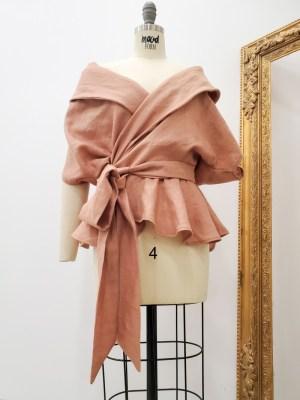 Льняная блузка с запахом