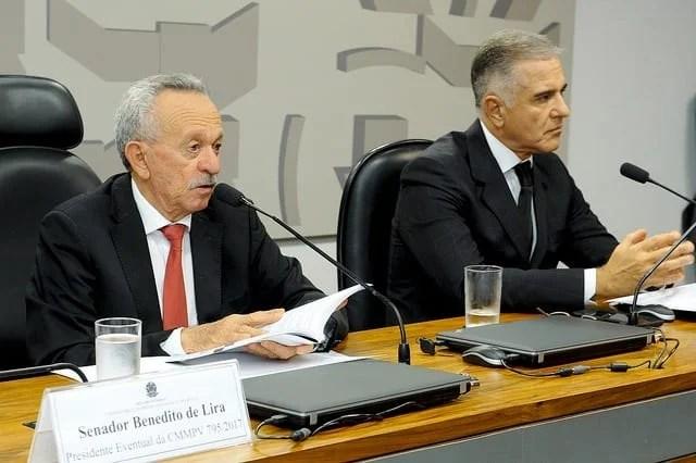 Presidente eventual, senador Benedito de Lira (PP-AL); relator da CMMPV 795/2017, deputado Júlio Lopes (PP-RJ) Foto: Waldemir Barreto/Agência Senado