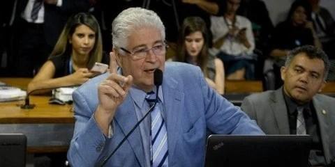 O senador Roberto Requião (PMDB-PR) criticou duramente o projeto - Foto: Jefferson Rudy/Agência Senado