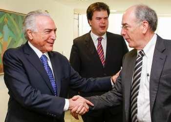 O presidente Michel Temer, o ministro de Minas e Energia, Fernando Coelho Filho, e o presidente da Petrobras, Pedro Parente, participam da cerimônia de lançamento do Plano de Negócios da petroleira