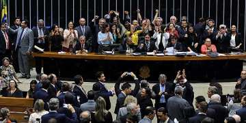 Votação do PL 6437/2016 - que altera a Lei nº 11.350, de 5 de outubro de 2006, para dispor sobre as atribuições das profissões do agente comunitário de saúde e do agente de combate às endemias  - Foto: Luis Macedo / Câmara dos Deputados