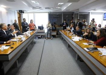 Comissão Mista da Medida Provisória nº 814, de 2017, que trata sobre a privatização da Eletrobras, realiza reunião para apreciação de relatório. Foto: Marcos Oliveira/Agência Senado