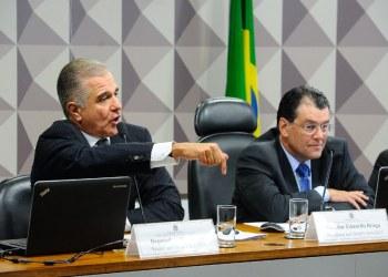 Júlio Lopes (PP/RJ) e Eduardo Braga (MDB/AM) aprovaram a MP da recuperação da Eletrobras com alterações como o Dutogas. foto: Marcos Oliveira/Agência Senado