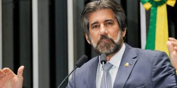 Relator, Valdir Raupp (MDB/RO) já foi contra e a favor do texto / Foto: Agência senado