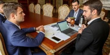 O governador Eduardo Leite com o deputado eleito Marcus Vinícius Autor: Gustavo Mansur/Palácio Piratini