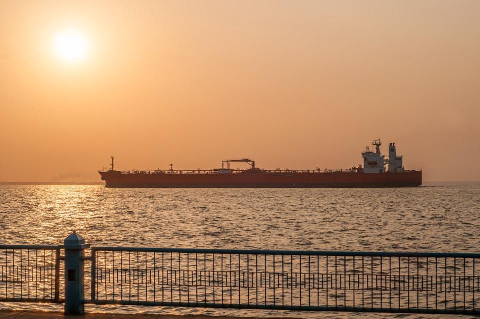 Resultado de imagem para Crise venezuelana sustenta preços do petróleo WTI