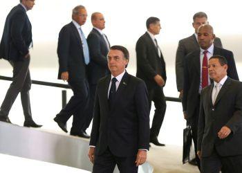 O Presidente Jair Bolsonaro e o  vice-presidente General Hamilton Mourão, durante cerimônia de posse aos presidentes dos bancos públicos. Foto: Marcelo Camargo/Agência Brasil