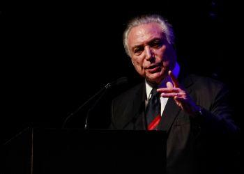 """Réu hoje, o então presidente Michel Temer recebe título de """"Brasileiro do Ano"""" em cerimônia em São Paulo/ Foto: Marcos Corrêa/PR"""