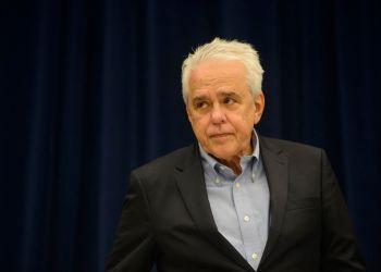 O presidente da Petrobras, Roberto Castello Branco, fala à imprensa na sede da companhia, no Rio de Janeiro.