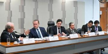 Comissão Mista da Medida Provisória (CMMPV) realiza audiência pública interativa para debater MP 882/2019 que reformula o Programa de Parcerias de Investimentos (PPI).rrMesa:rpresidente da Associação Nacional do Transporte de Cargas e Logística (NTC), José Hélio Fernandes, em pronunciamento;rrelator da CMMPV, senador Wellington Fagundes (PL-MT);rpresidente da CMMPV, deputado Isnaldo Bulhões Jr. (MDB-AL);rgerente Executivo da Secretaria de Leilões da Agência Nacional de Energia Elétrica (Aneel), Romário de Oliveira Batista;rdiretor Substituto do Departamento Nacional de Trânsito (Denatran), Carlos Magno;rconsultor Legislativo do Senado Federal, Israel Lacerda de Araújo.rrFoto: Geraldo Magela/Agência Senado