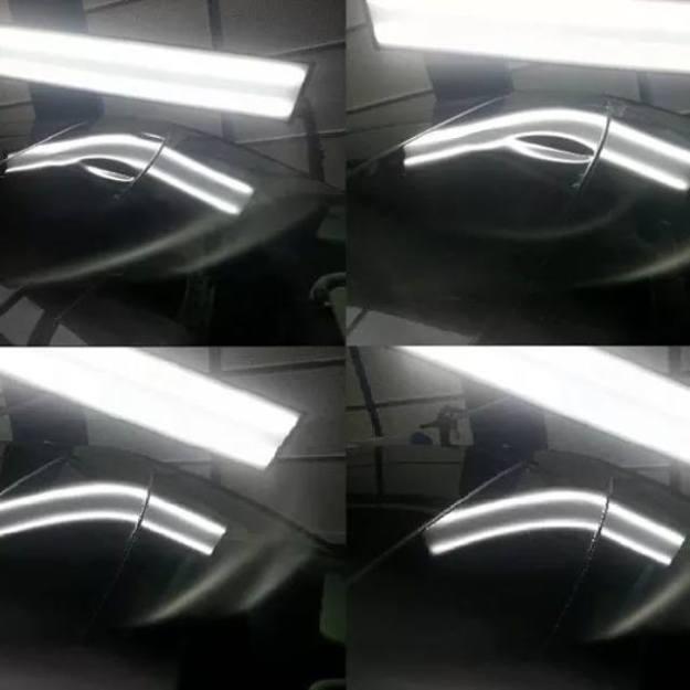 Poškodenie strechy po otvorení kapoty počas jazdy