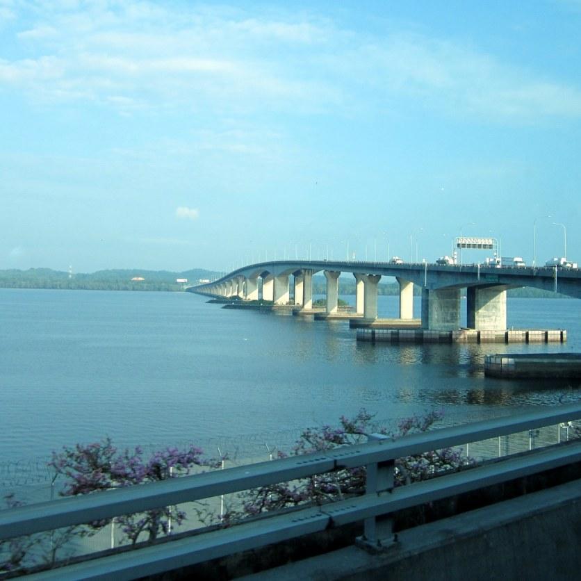 Silta Singaporen ja Malesian välillä