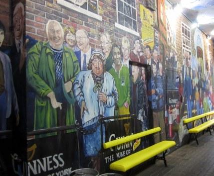 Hienoja seinämaalauksia löytyi Belfastista