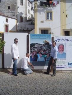 Transformação Independente de Castelo de Vide Acção de Campanha no Conc. de Castelo de Vide Cartazes Colagem de Cartazes3
