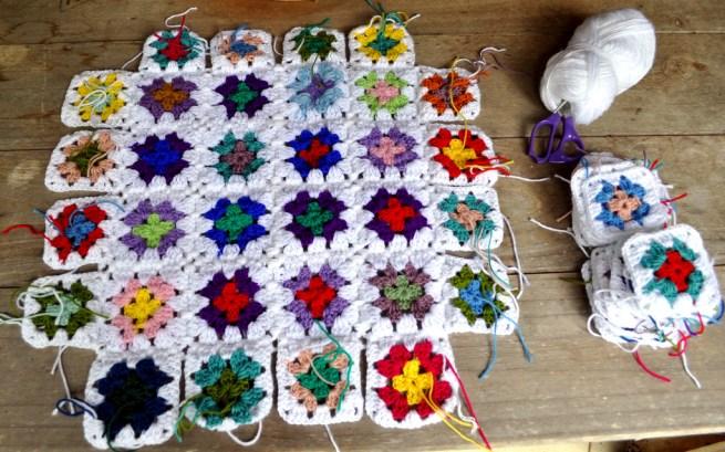 Progress Report : My 'White and Bright' crochet blanket.