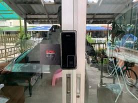 Digital door lock สำหรับประตูบานเลื่อนแบบบานคู่ ปิดชนตรงกลาง