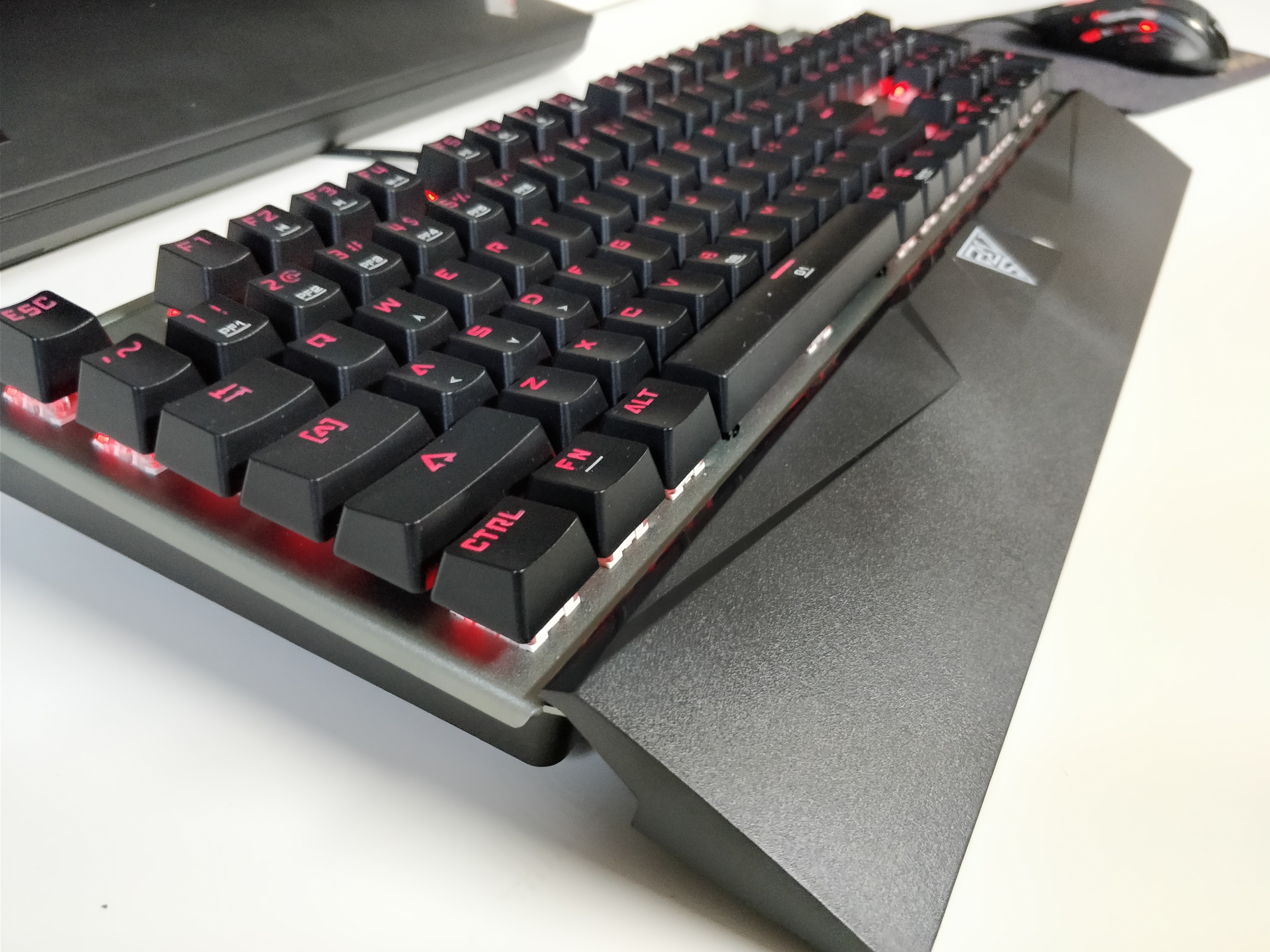 383f438f47d Level Up Your Game With The Gamdias Hermes E1 Mechanical Keyboard ...