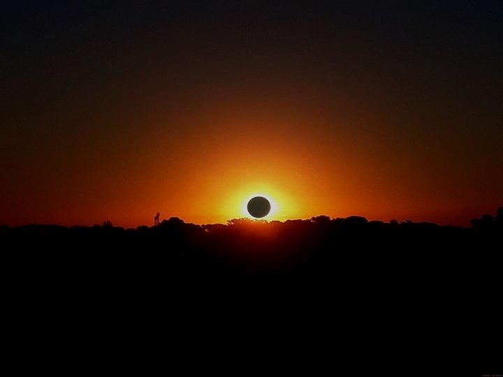 montaje de como se veria el eclipse de sol desde buenos aires argentina