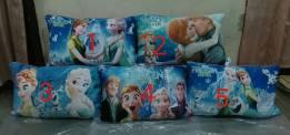 Bantal Print Frozen