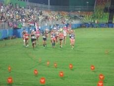Volta olímpica após a sensacional prova. Dia memorável!