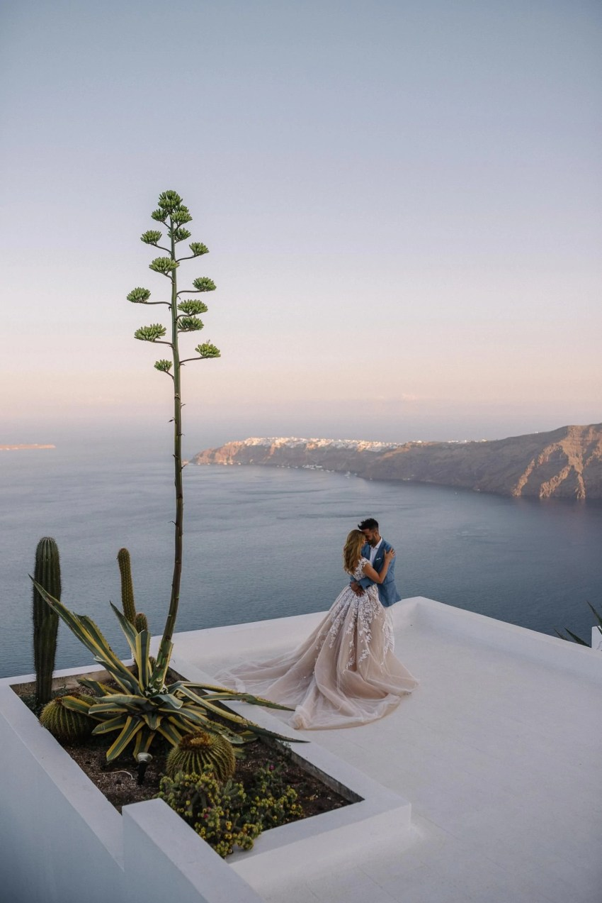 Santorini wedding photographer Steven Khalil gown