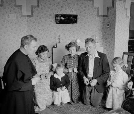 family rosary 01