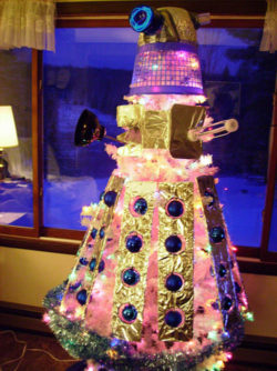 quirky-xmas-tree-dalek
