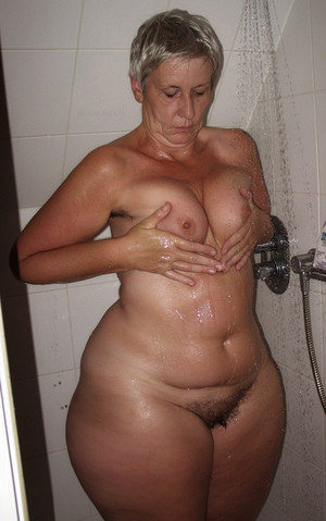 hot moms fucking