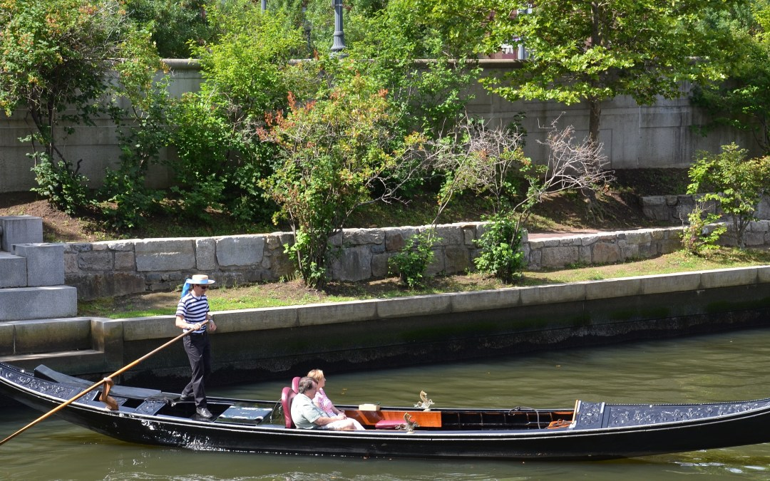 Experience a Gondola Cruise in America: La Gondola in Providence, Rhode Island
