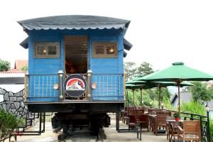 Dalat Train Café