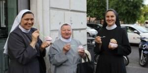 Nuns-Eating-Gelato-610x300
