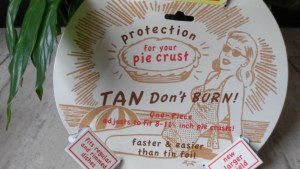 pie crust protector