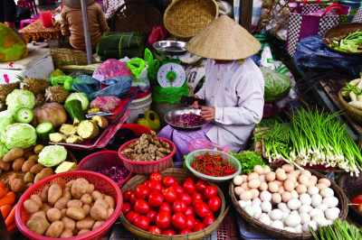 Bicycle through Vietnam and Refuel On Regional Cuisine