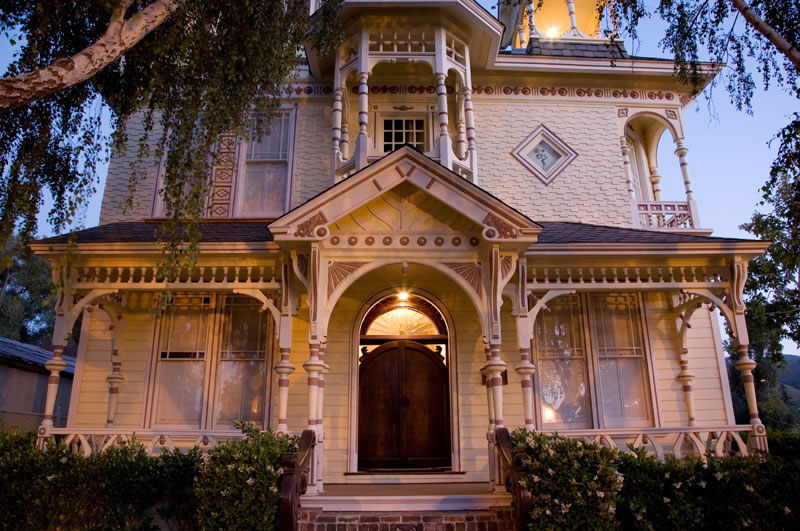 The exterior of the Vick.  Photo courtesy of Victorian mansion B&Bs.