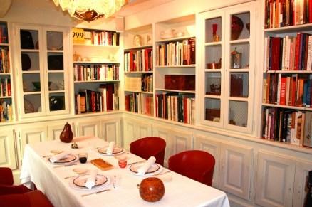 Bastide de Moustiers   La salle bibliothéque   Copyright www.epicuriendusud.com