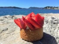 La Plage | Toulon |Tarte à la fraise | www.epicuriendusud.com