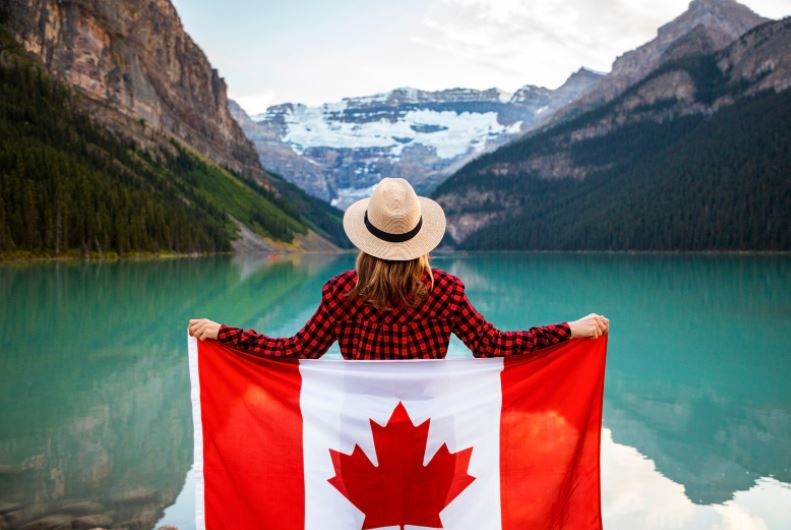 3 Easiest Ways to Immigrate to Canada 2021