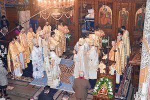 EPDH_05_12_2016_Hram_Catedrala_Sf_Liturghie-26
