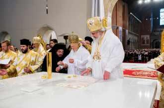 Sfintire-si-prima-liturghie-la-Catedrala-Mantuirii-Neamului-7.x71918