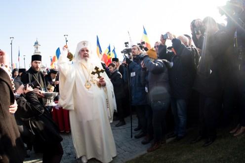 Patriarhul-a-sifntit-monumentul-unirii-6.x71918