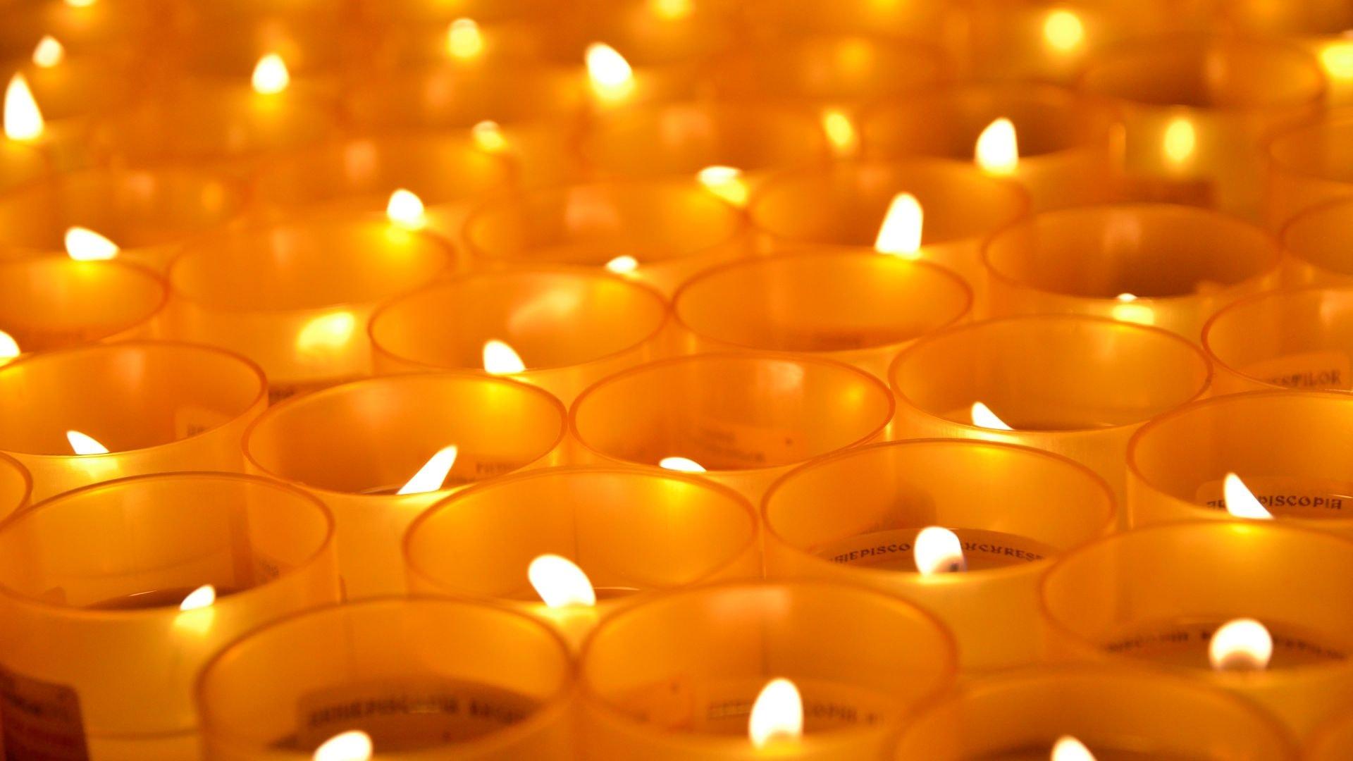 Patriarhul Daniel transmite părintești condoleanțe familiilor îndoliate ale românilor decedaţi în urma exploziei din Cehia