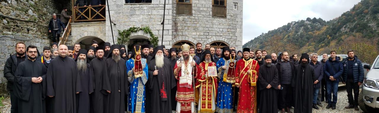 Dau slavă lui Dumnezeu pentru că m-a învrednicit să slujesc în frumosul Schit românesc Lacu din Sfântul Munte Athos …