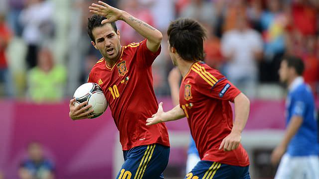 Spain goalscorer Francesc Fabregas celebrates with team-mate David Silva 20120610_640_360