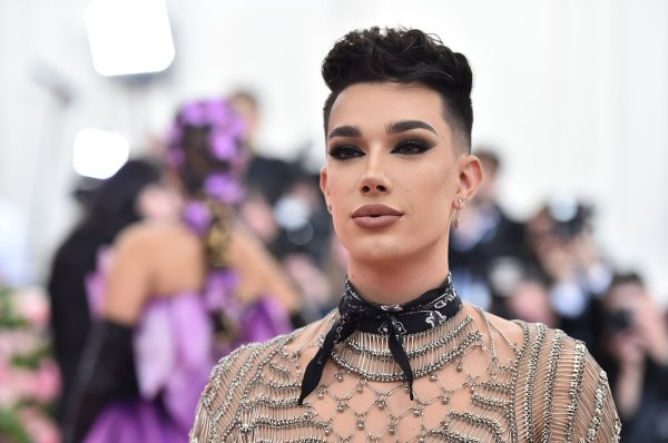 YouTuber James Charles has lost nearly 3 million ...