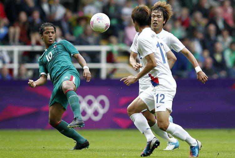 Giovani Dos Santos en el partido frente a Corea
