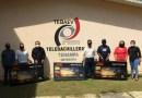 El Diputado Antonio García Reyes entrega televisores al Telebachillerato de Tenampa.